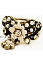 Michal Negrin Pearl Peach Bow Crystals Ring
