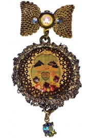Michal Negrin Dolls Kiss Cameo Lace Brooch